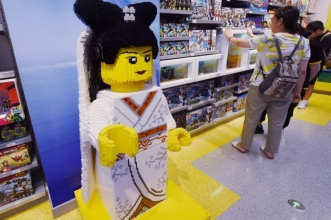 Lego откроет 120 новых магазинов, несмотря на пандемию